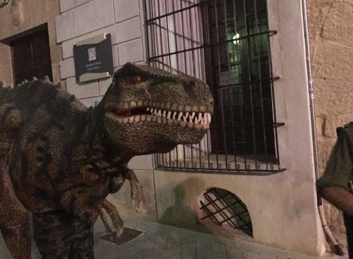 Los dinosaurios toman las calles de Benissa