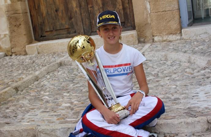 La benissera Maya Weug, ganadora de la Copa Mundial de la WSK Final Cup