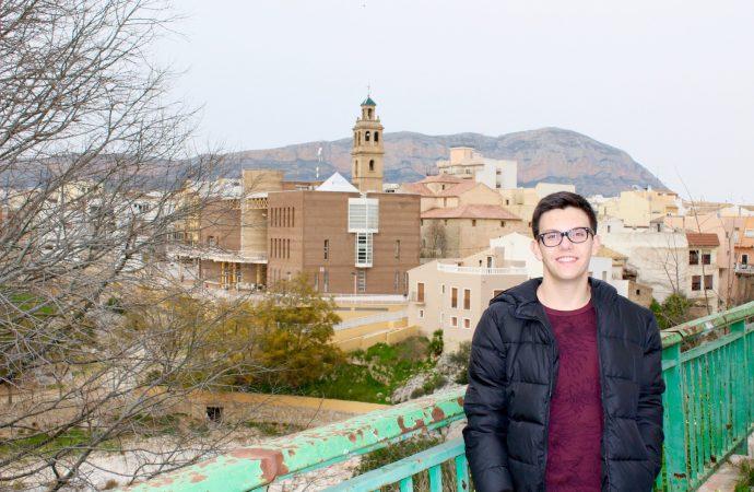 El joven Joan Cholbi consigue una de las becas de la Fundación Amancio Ortega