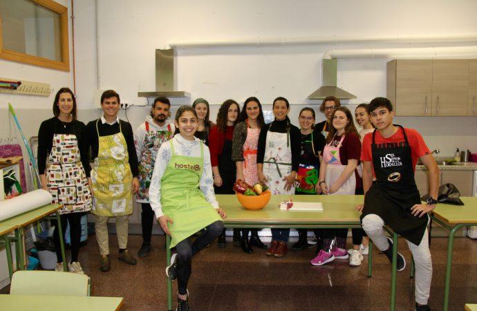 Alumn@s del IES Josep Iborra de Benissa aprenden a cocinar antes de irse a la universidad