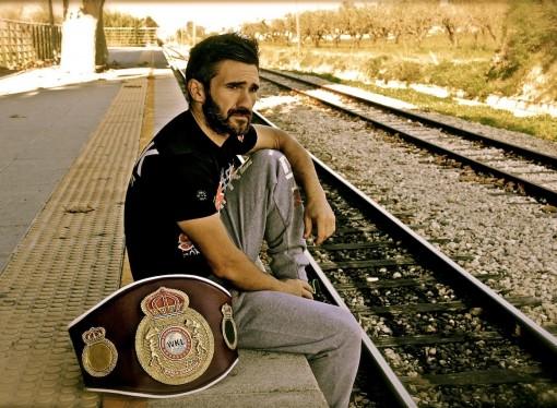 El campeón del mundo de Kick-boxing cuelga sus guantes