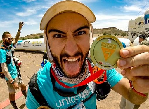 El atleta Santi Ferrando completa los 257 km de la Marathon des Sables por el desierto del Sáhara