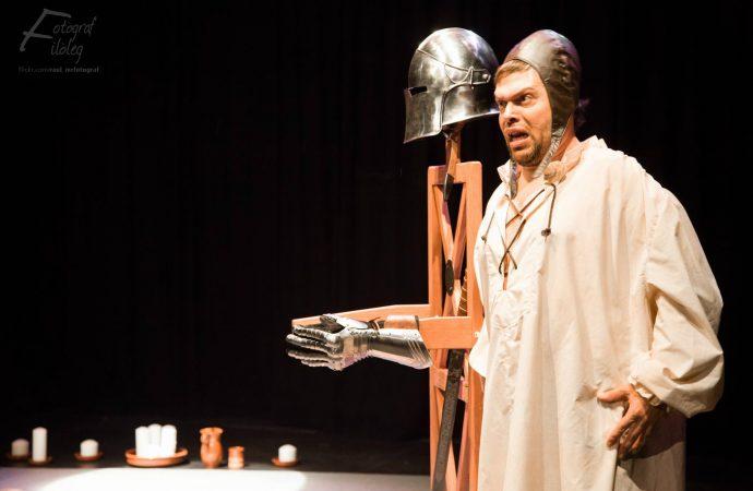 Arriba JOANOT a Benissa, una obra d'ESCLAFIT TEATRE amb el benisser Joan Nave