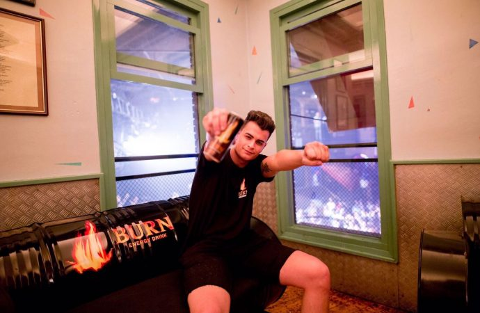 Adrià Moncho se enfrenta a la final del Concurso Internacional DJs Burn Residency en Ibiza