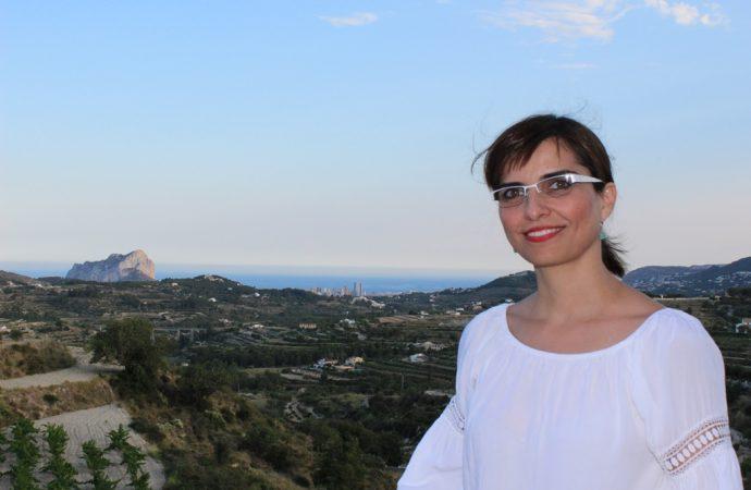 Raquel Oltra, 7 años dedicada al bienestar de sus pacientes en Ortopedia Bondia