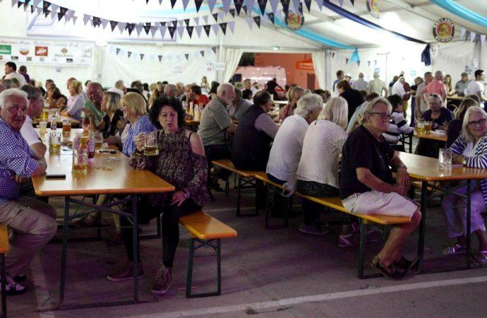 "Más de 7.000 litros de cerveza alemana se servirán en la ""Oktoberfest Teulada Moraira"""