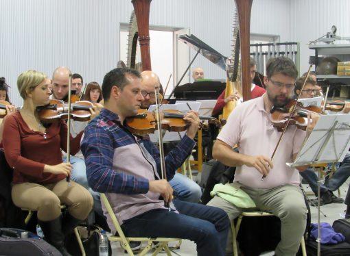 Nos colamos en los ensayos de la Universal Symphony Orchestra de la Marina Alta