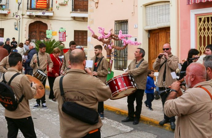 """""""Feslalí, Alcalalí en flor"""" afronta su última semana de actividades"""