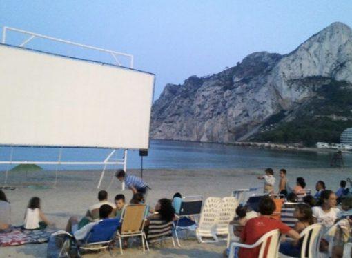 Cine de verano en las playas y calles de nuestra comarca