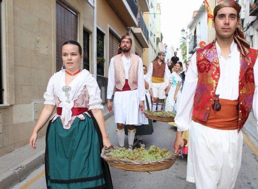 Teulada rinde homenaje a la uva Moscatel