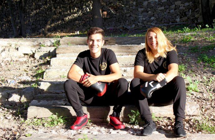 Marina González y Joan Ginestar se ponen los guantes para dar su golpe más solidario