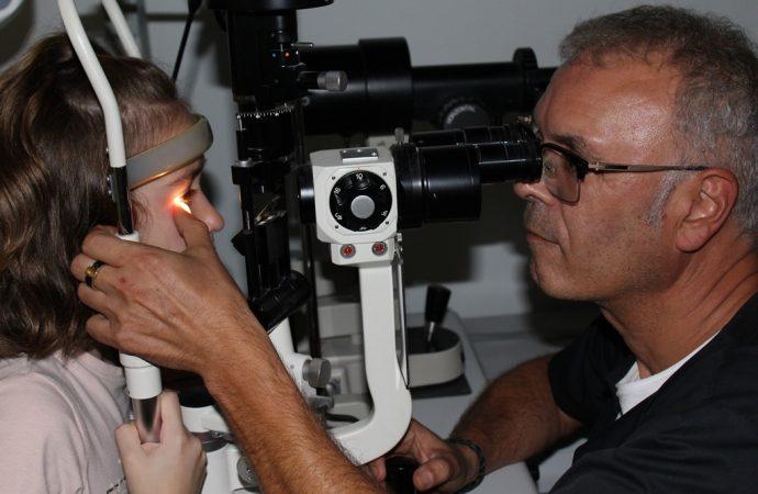La FDA aprueba la 1º lente de contacto indicada para retrasar la progresión de la miopía en niños