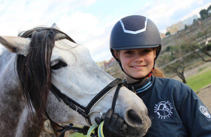 """Layla Sassen Ivars: """"Quiero llegar a ser olímpica y profesora de equitación"""""""
