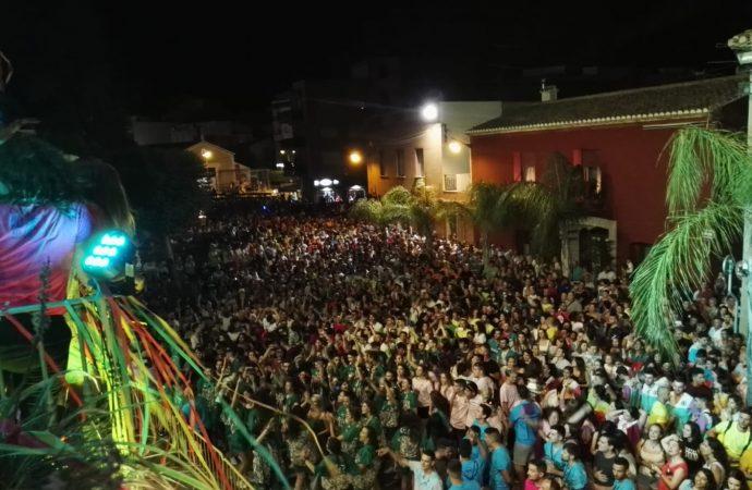 """Gran cartel para el """"Rock&Moll"""" de las fiestas populares de Sant Jaume en Ondara"""
