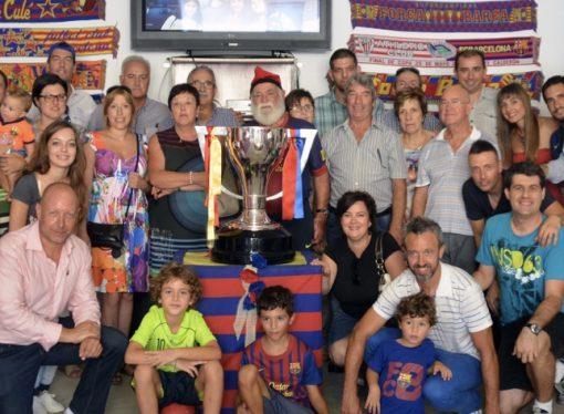 El Avi Joan Casals, dos ex jugadores del F.C Barcelona y la última Copa de la Liga en el 25 aniversario de la Penya Barcelonista de Benissa