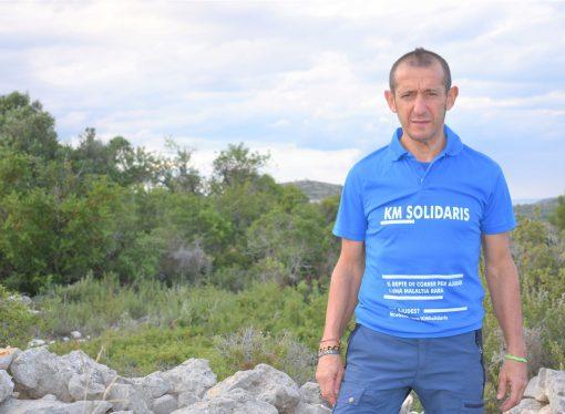 """El corredor de Gata Fernando Arabí """"Curro"""" a mitad de conseguir su reto solidario"""