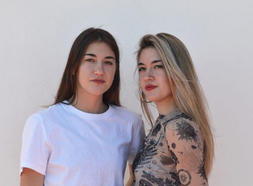 Las gemelas Carmen y María Palací fusionan la música y el arte a través de un videoclip