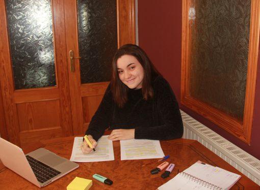 Así vive el confinamiento y su carrera la estudiante benissera de Medicina Raquel Navarro Llop