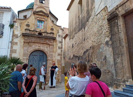 Unos 400 turistas han disfrutado de las rutas guiadas y teatralizadas por Teulada Moraira
