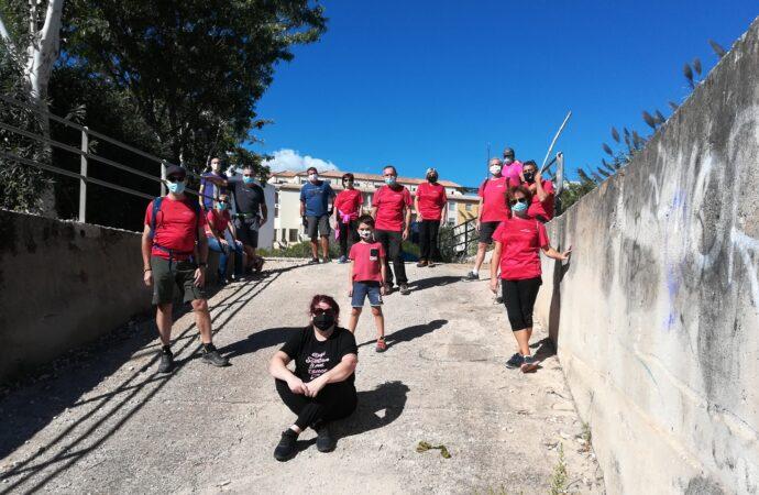 27 voluntarios retiran 260 kilos de residuos del cauce del río de Ondara