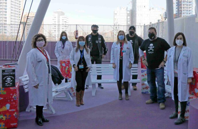 Los moteros Ugly MC donan regalos y mobiliario a los niños ingresados en el Hospital La Fe