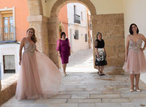 """Carmen Tosina: """"Si buscas un estilismo digno de admirar, deja que te ayude a elegir tu vestido"""""""