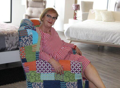 Rosalía Arlandis se jubila en Muebles Martínez tras 48 años 4 meses y 20 días