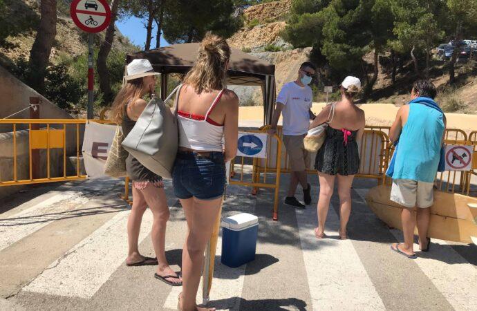 Un autobús lanzadera gratuito bajará a los bañistas a la cala del Moraig