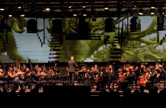 La plaza de Toros de Ondara vibra al son de la mejor música de cine épico en el Sonafilm